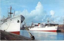 BATEAU DE COMMERCE  - Cargo ( Bananier ) FORT RICHELIEU Et BARFLEUR - CPSM PF - Commercial Boat Kommerzielles - Commercio