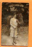 CAL889, Femme Avec Son Cheval, Woman With Horse, Léo 1205, Mauvais état !, Circulée Sous Enveloppe - Cavalli
