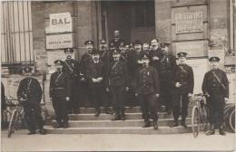 CPA PHOTO 75 PARIS V Mairie Commissariat De Police Groupe Policiers Flics Photographe NEMON Rue Pascal 1906 Rare - Arrondissement: 05