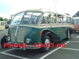 Reproduction D'une Photographie D'un Bus De Marque Saurer De 1951 - Reproductions