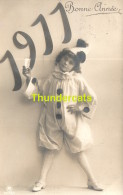CPA DATE ANNEE 1911 MILLESIME FILLE PIERROT ** RPPC REAL PHOTO POSTCARD YEAR DATE GIRL 1911 - Nouvel An