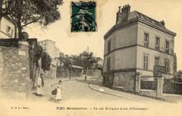 PARIS Montmartre La Rue Ravignan Animée - Arrondissement: 18