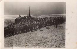 Carte Photo Originale Autriche - Rassemblement Militaire Au Pied D'une Croix En Alpage En 1935 - Correspondance Dos - Guerre, Militaire