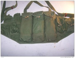 Porte Chargeur  VENTRAL  IRAK Pour  AK 47 - Armas De Colección