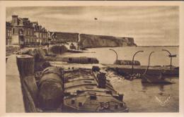 14 - Arromanches (Calvados) - Le Port De La Libération - La Digue Et La Falaise Ouest - Arromanches