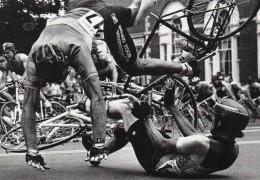 CYCLISME - Reproduction D´une Photo  De Presse - John Blanding 1985 - The Boston Globe  - Bicycle Crash - Repro's