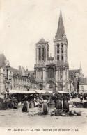 3197. CPA 14 LISIEUX. LA PLACE THIERS UN JOUR DE MARCHE - Lisieux