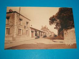 """85) La Roche-sur-yon - N° 7910 - Rue Du Maréchal Joffre """" Garage Peugeot """"   - EDIT : Bergevin - La Roche Sur Yon"""