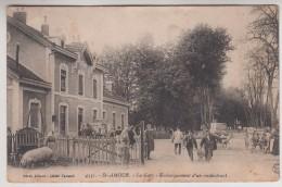 39 - Saint Amour - La Gare - Embarquement D'un Récalcitrant - Editeur: Méral N° 4331 - France