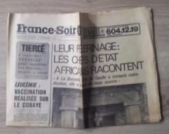 Journal Mort Du Général De Gaulle - France Soir Du 15-16 Novembre 1970. - Newspapers