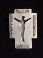 Insigne 28 ème Pèlerinage Militaire International De Lourdes Martineau Saumur - Insigne & Ordelinten