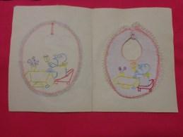Bavette De Bebe Doublee-(petit Bavoir)- Devoir De Dessin Et De Couture Dans Les Ecoles (canard A Table) - Loisirs Créatifs