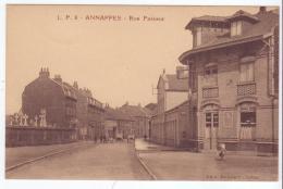 Annappes (59) - Rue Pasteur Animée - Commerce Café. Bon état, Sépia, Non Circulé. - Andere Gemeenten