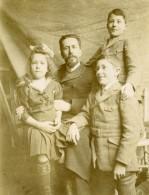 Vie Quotidienne En France Portrait De Groupe Famille Ancienne Photo Amateur 1920 - Anonymous Persons