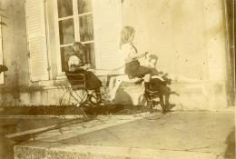 Vie Quotidienne En France Jeu D'Enfant Cheval A Roulette Remorque Ancienne Photo Amateur 1900
