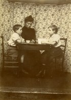 Vie Quotidienne En France Famille Portrait Table Ancienne Photo Amateur 1900