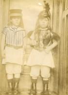 Vie Quotidienne En France Enfants Deguisement Ancienne Photo Amateur 1900 - Anonymous Persons