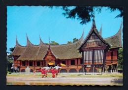 INDONESIA  -  West Sumatra  Bukit Tinggi  Umbrella Dance  Unused Postcard - Indonesia