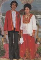 ASIE----INDONESIE---pasangan Pengantin Maluku Tengah---voir 2 Scans - Indonésie