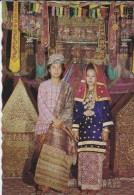 ASIE----INDONESIE--pakaian Pengantin Kota Gadang,sumatera Barat---voir 2 Scans - Indonésie