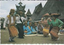 ASIE----INDONESIE--tari Terang Bulan Karo, Samatera Utara--voir 2 Scans - Indonesia