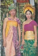 ASIE----INDONESIE-- Sepasang Mempelai.bali--voir 2 Scans - Indonésie