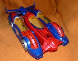 GRANDE VOITURE SPIDERMAN 32 X18.5 Cm TRANSFORMABLE AVION HASBRO 2012 Marvel - Spiderman