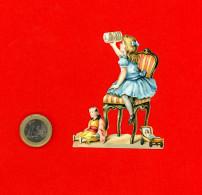 Chocolat Van Houten, Jolie Chromo Découpi, Petite Fille Sur Une Chaise Avec Boite De Chocolat - Van Houten