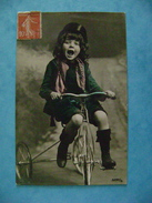 CP ENFANTS -  JEU -  ENFANT SUR UN TRICYCLE - Scenes & Landscapes