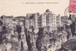 ALGÉRIE. CONSTANTINE. CPA. LA MEDERSA. . ANNÉE 1933. FAÇADE DU RUMMEL - Konstantinopel