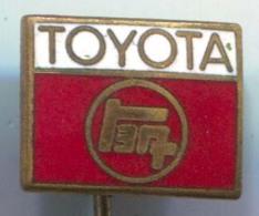 TOYOTA - Car Auto Automotive, Enamel, Vintage Pin, Badge - Toyota