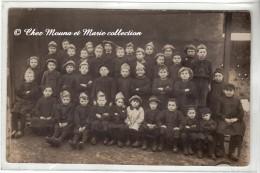 PHOTO DE CLASSE - ECOLE DE GARCONS - COIFFE MILITAIRE - CARTE PHOTO - Schools