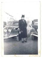 1 Photo Femme & Automobiles, Peugeot - Automobiles