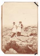 5- Photo Vancances Aout 1929 -entre Kerfany Les Pins Et Le Pouldu -finistere Bretagne Moellan-coin Abimé - Femme