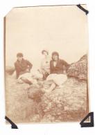 6- Photo Vancances Aout 1929 -entre Kerfany Les Pins Et Le Pouldu -finistere Bretagne Moellan-coin Abimé - Femme