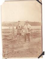 9- Photo Vancances Aout 1929 -entre Kerfany Les Pins Et Le Pouldu -finistere Bretagne Moellan-coin Abimé -peche A Pied