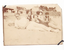10- Photo Vancances Aout 1929 -entre Kerfany Les Pins Et Le Pouldu -finistere Bretagne Moellan-coin Abimé -plage