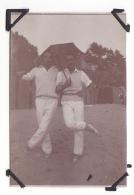 16- Photo Vancances Aout 1929 -entre Kerfany Les Pins Et Le Pouldu -finistere Bretagne Moellan-coin Abimé -homme Tennis