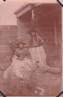 28- Photo Vancances Aout 1929 -entre Kerfany Les Pins Et Le Pouldu -finistere Bretagne Moellan-coin Abimé- Costume Bal