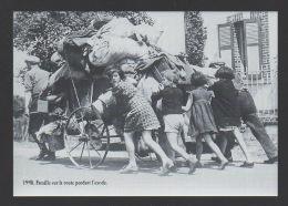 DD / GUERRE 1939-45 / 1940 FAMILLE SUR LA ROUTE PENDANT L'EXODE - Guerre 1939-45