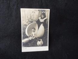 Pâques .Enfants  Et Oeuf. Carte Photo D ´ Avant 1904. - Pâques