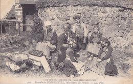 Bb - Cpa CMCB 401 - Famille De Plougastel, Marchande De Fraises - Coutumes, Moeurs Et Costumes Bretons - Costumes