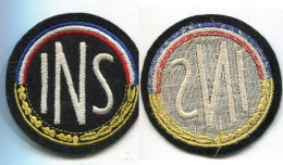 E89 ANCIEN ECUSSON A IDENTIFIER I.N.S 75 MM - Blazoenen (textiel)