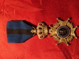 SUPERBE Medaille Militaire - Militaria