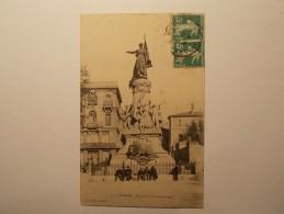 Carte Postale - AVIGNON (84) - Monument Du Centenaire (73A) - Avignon