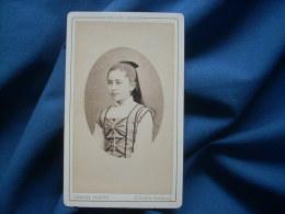 Photo CDV Charles Jacotin à Paris - Portrait En Médaillon Jeune Fille, Queue De Cheval, Plastron à Fronces Ca 1880 L263 - Foto