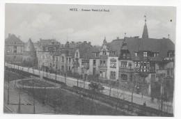METZ EN 1919 - AVENUE MARECHAL FOCH AVEC ATTELAGE ET CYCLISTES - CPA VOYAGEE - Metz