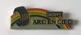 Pin's -  Automobile - Pneumatique - Groupe ARC EN CIEL - - Badges