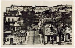 "LAUZERTE De Type Carte Photo APA : "" Faubourg Dauriac Grand Escalier "" - Verso André Chaubard Montauban - Lauzerte"