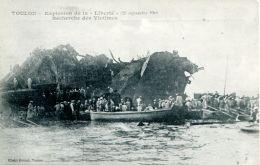 """N°49886 -cpa Toulon  -explosion De La """"Liberté"""" Recherche Des Victimes- - Bateaux"""